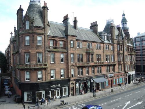 グラスゴーの古い建物と店舗